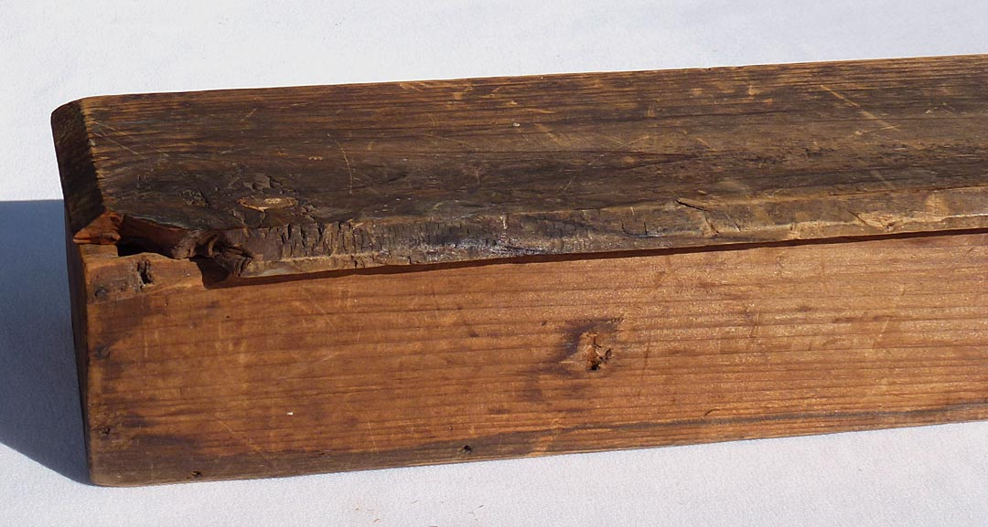 'Closeup of the loss to the box' from the web at 'http://www.folkartisans.com/pages/../images12/ctkh_cl_box1.jpg'
