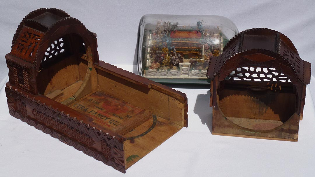 'Inside of enclosure' from the web at 'http://www.folkartisans.com/pages/../images13/cccw_open3.jpg'